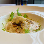 ラ メゾン ドゥ グラシアニ - ④【前菜-2】 蛸のベニエ(衣揚げ)、馬鈴薯+洋葱+大蒜ペースト添え、ヴァンブラン(白ワイン)ソース