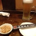 味兵衛 - 生ビール380¥とお付け出し(値段不明)