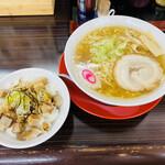中村屋 蔵 - 「朝ラーメン」600円税込み+「チャーシュー丼」200円税込み