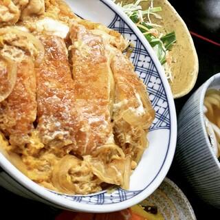 創業時から守り続ける味。「カツ丼」をはじめ人気メニューが豊富