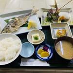伊豆之助 - 料理写真:アジ塩焼き定食 1100円