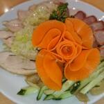 鳳琴樓 - 料理写真:三色前菜盛り合わせ