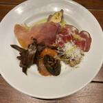 ピッツェリア・エ・バール・ラ・ボラッチャ - 前菜!全部大好き!ご機嫌な美味しさ!