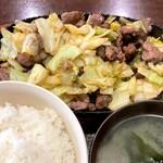びっくり焼亭 - びっくり焼き定食