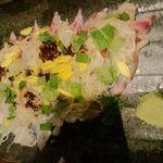 15053346 - 天然真鯛のさしみ鯛飯の刺身と薬味