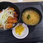 平和島パーキングエリア(上り)スナックコーナー - 料理写真:豚バラ蒲焼丼