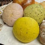 天然酵母ベーカリー トヰチ屋 - お野菜パン
