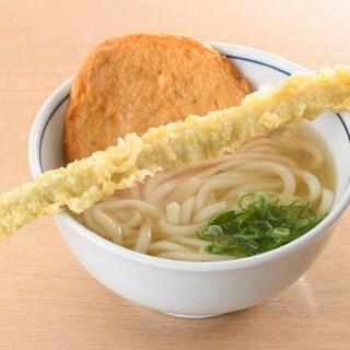 九州食材をふんだんに使用した出汁や麺♪名物やりうどんをどうぞ