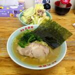 ラーメン六角家 - キャベチャーとラーメン 700円