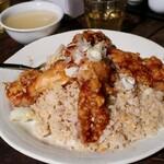 麺飯店 俵飯 - 料理写真:鶏唐ガーリック炒飯・並(1200円)