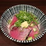 寿製麺 よしかわ - ・「限定 初鰹丼(¥500)」