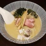 寿製麺 よしかわ - ・「限定 真鯛白湯そば(¥950)」