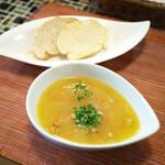 150565960 - スープとパン