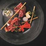 アクアリウムダイニング銀座ライム - 生ハムとサラミチーズの盛り合わせ