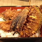太田屋 - 天重(¥ 1,250)大きな海老が2本のっていました!