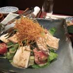 15057990 - 大仙鶏と自家製豆腐の胡麻ドレサラダ
