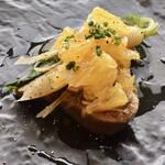 Aroma Fresca Nagoya - 牛タンの煮込み ハッサクのアクセント             ミニ大根の含め煮、アサツキ、茗荷