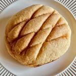 本郷ベーカリー - ひみつのメロンパンは何が秘密なのかわからないけどまあいいか