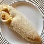 本郷ベーカリー - イタリアンハムのチーズロールです