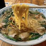 風龍 - ベトコンラーメン(麺アップ)