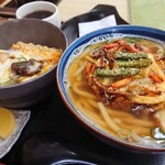 泉屋 - 料理写真:かき揚げうどんとミニすじ玉丼