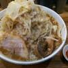 デカ盛り戦隊 豚レンジャー - 料理写真:ラーメン並、野菜&脂マシ、ニンニクちょいマシ。ちょい辛別盛り。チャーシューは普通は1枚です!