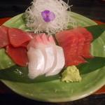 粥茶屋 写楽 - マグロ2種とカンパチ