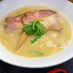 麺や なないち - 料理写真:鶏白湯スープ