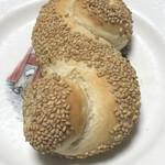 本郷ベーカリー - シチリアのごまパン@170円