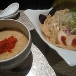 鶏Soba 座銀 -  鬼にぼしつけSoba(麺大盛) 燻製玉子