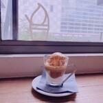 コーヒー&ジェラート ザ カップス -