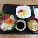 旬恵 - 料理写真:海鮮丼 980円