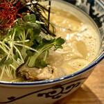 佐市 - 牡蠣拉麺 920円