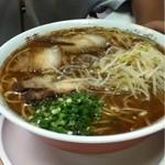 いちこ食堂 - 料理写真:とても美味しいラーメンです(^^) 麺の量がとても多く、GOOD!!