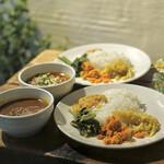 スパイスカフェ - 料理写真:ラムキーマとエビ