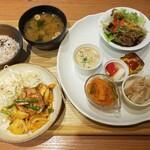 大和CAFE - 惣菜プレートランチ(ご飯少なめ)