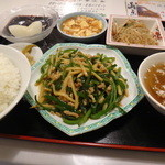 天龍 - 週替わり定食全景