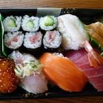 ふくすけ寿し - 江戸前寿司 \840