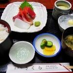 さくら - さしみ定食(マグロ・白身・イカ・甘エビ)¥1365