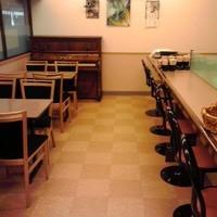 のんしゃらん食堂 - 店主の趣味でピアノが置いてあります。