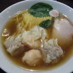 あんくるてい - 料理写真:ニコニコそば(ワンタン肉2コ、海老2コ)