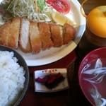 薩摩黒家 - トンカツ定食(1000円)