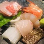 魚菜 由良 - 刺身5点盛り