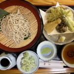 安江  - 蕎麦切り天ざる 二八の細切り+野菜天 2000円です