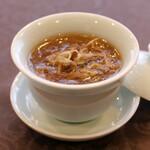 フカヒレ入りスープ