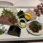 若紀久喜旬 - 鰆、鯵のなめろう味噌、鮃、海苔で巻いた鰹