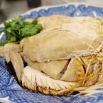蒸し鶏 熟成醬油ソース