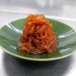 クラゲの赤酢和え