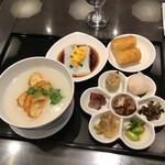 150706253 - 朝食セット 白粥と彩り点心のセット ¥1,200