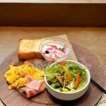 グリーンベリーズコーヒー - グリーンベリーズ・チーズ&アボカド ¥1.480
